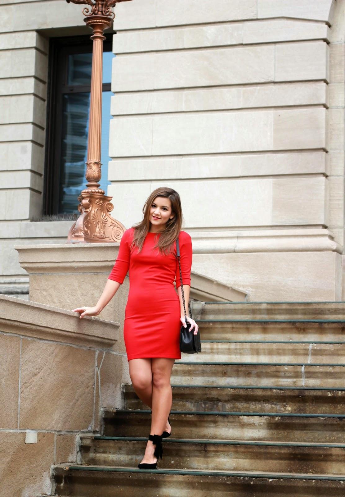 O got my red dress on tonight