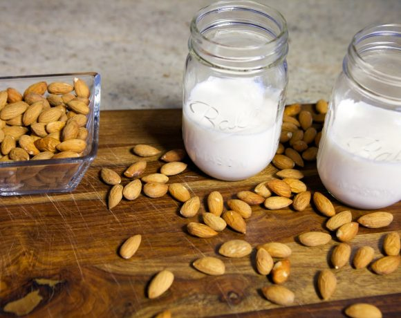 How to make Almond Milk [Video]