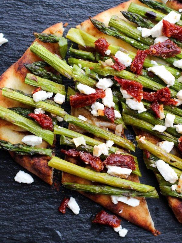 naan-asparagus-pizza-16.jpg