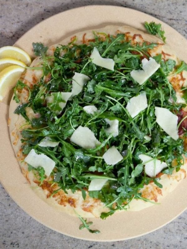 prosciutto-arugula-pizza-video.jpg