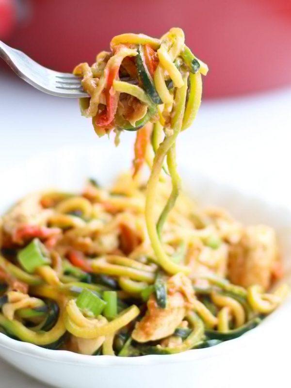 zucchini-noodles-chicken-peanut-sauce-25-2