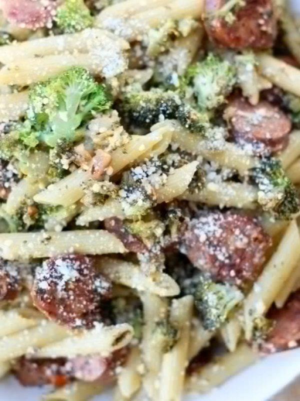 chicken-sausage-broccoli-pasta-21