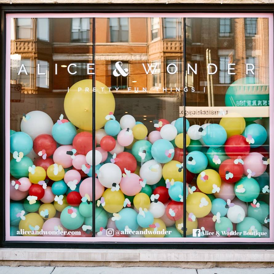 Alice & Wonder Store - Lake Shore Lady