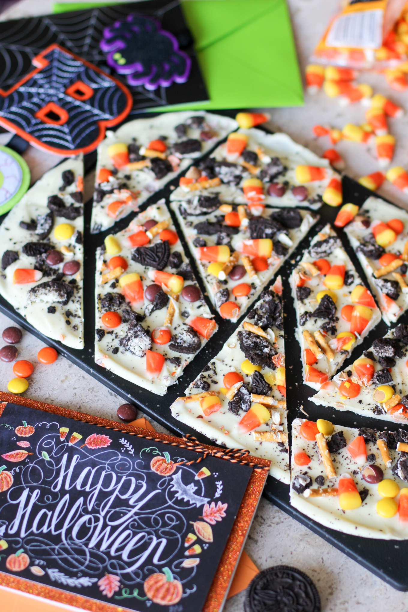 Halloween Bark easy recipe