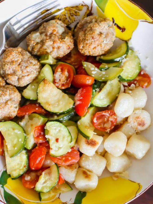 cauliflower-gnocchi-roasted-tomatoes-zucchini-turkey-meatballs-4