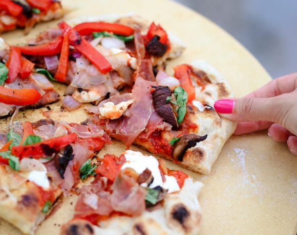 How To Cook Pizza On The Grill