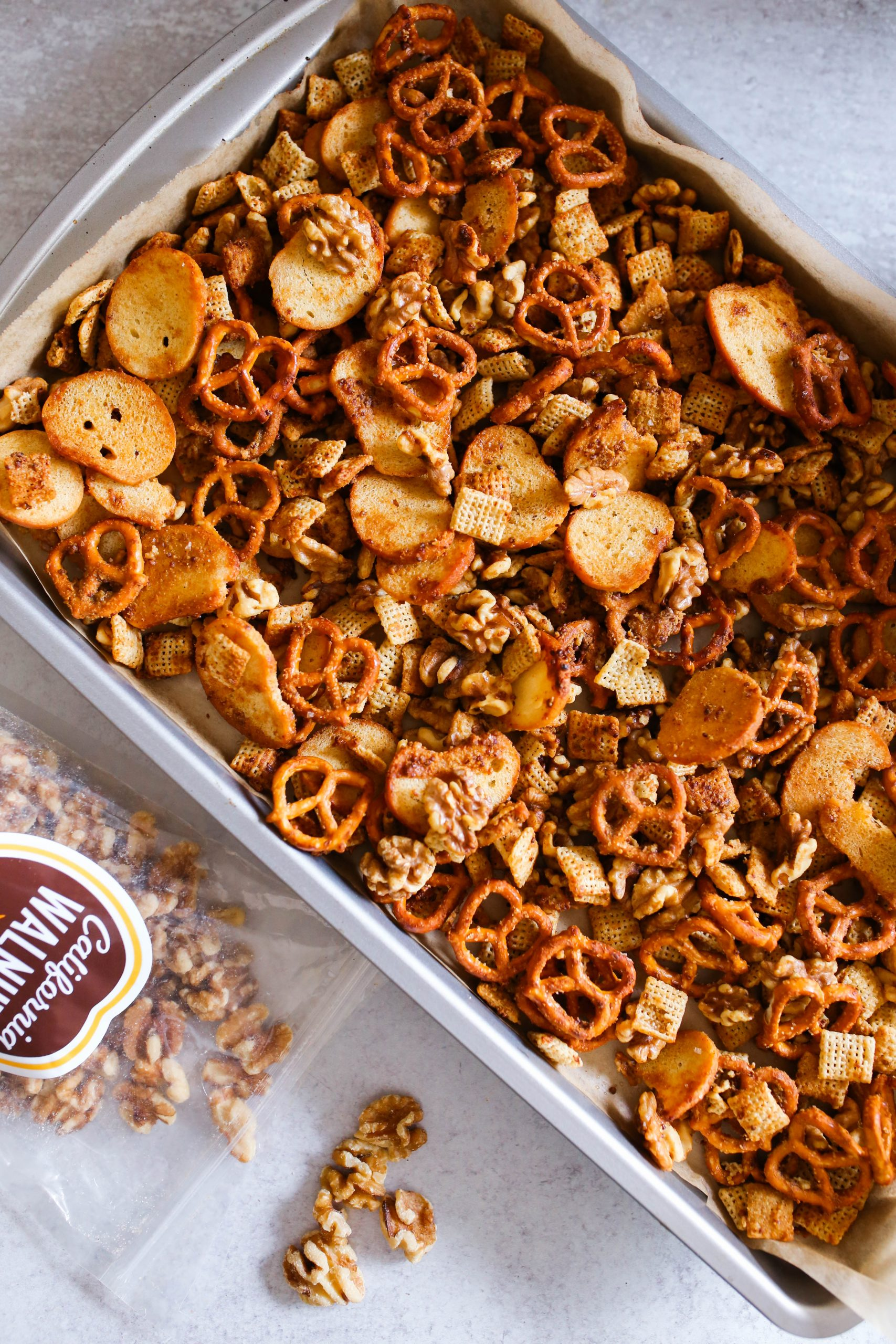 honey mustard snack mix with walnuts