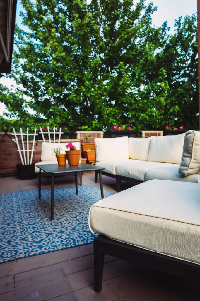 white Outer Outdoor Sofa Review with table